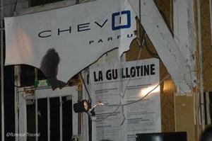 11_guillotine